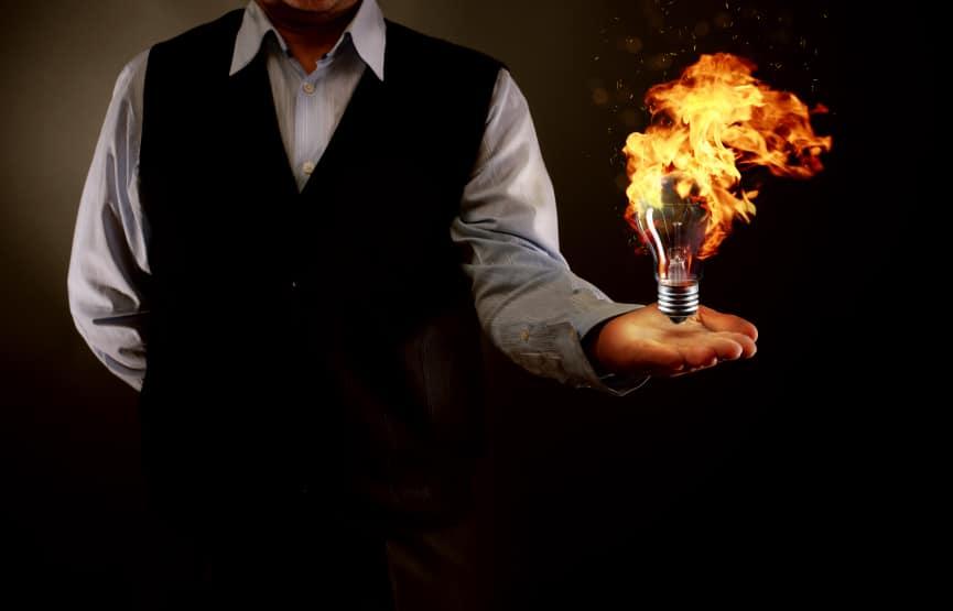 lightbulb on fire trading mindset 2ndskiesforex.com